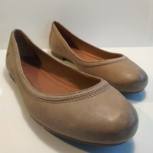 New! Frye Carrie Flats